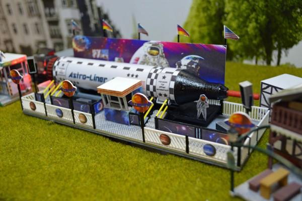 Fertigmodell Astro Liner Film Rakete mit Funktion