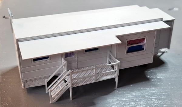 Bausatz Wohnwagen mit ausziehbaren Erken 1