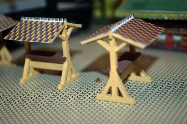Bausatz Stehtische mit Dach, 3 er Set