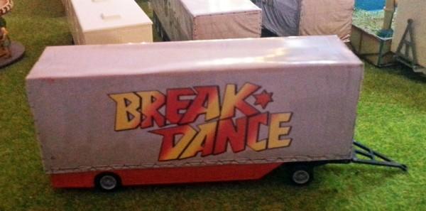 Packwagen Break Dance mit Plane